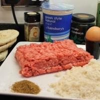 Lamb Pittas with Mint Yoghurt Sauce