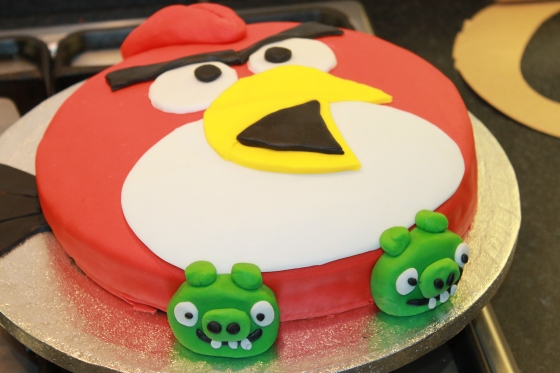 angry birds cake how to make an angry birds cake happiness stan lives here 1307